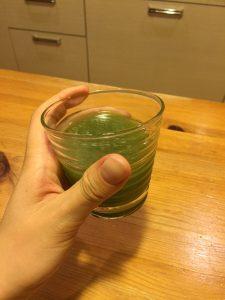めっちゃたっぷりフルーツ青汁で置き換え